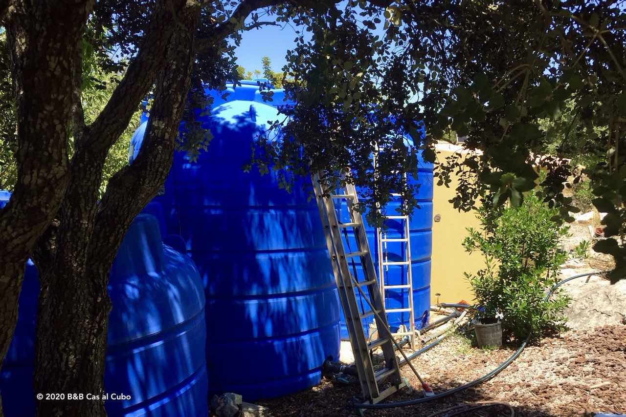 Watertanks bij B&B Cas al Cubo Tavira