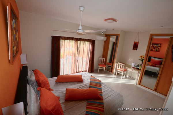 bed-en-breakfast-algarve-kamer-laranja-1