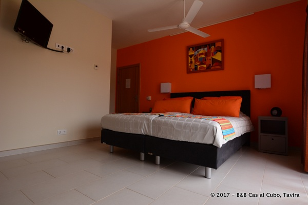 bed-en-breakfast-algarve-kamer-laranja-4