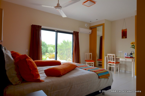 bed-en-breakfast-algarve-kamer-laranja-7