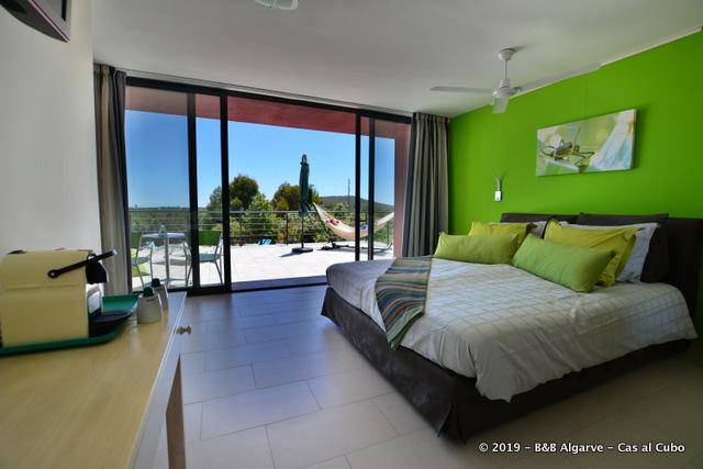 Room Oliveira